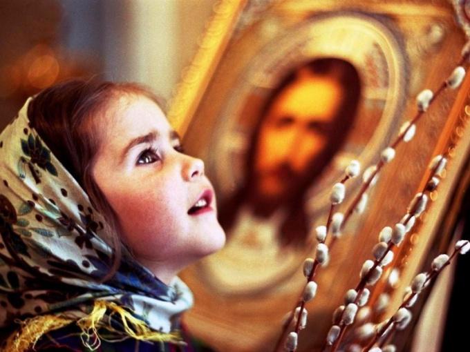 Что дарить крестнику (крестнице) на Пасху