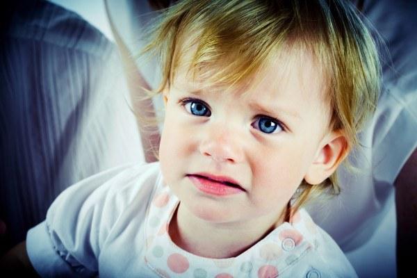 Как помочь ребенку при вздутии живота