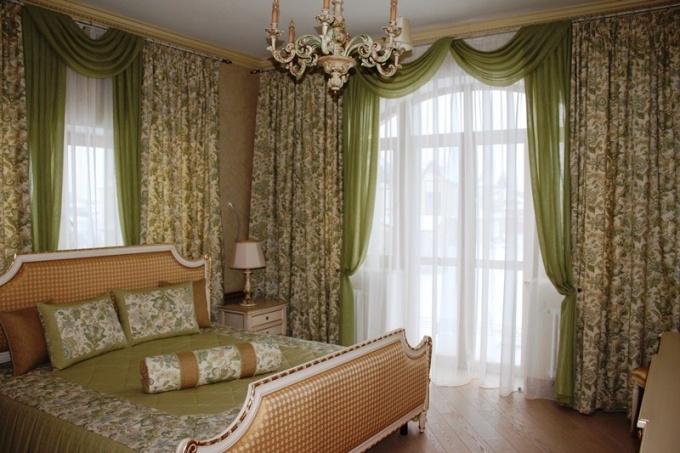 Как выбрать портьеры для спальни