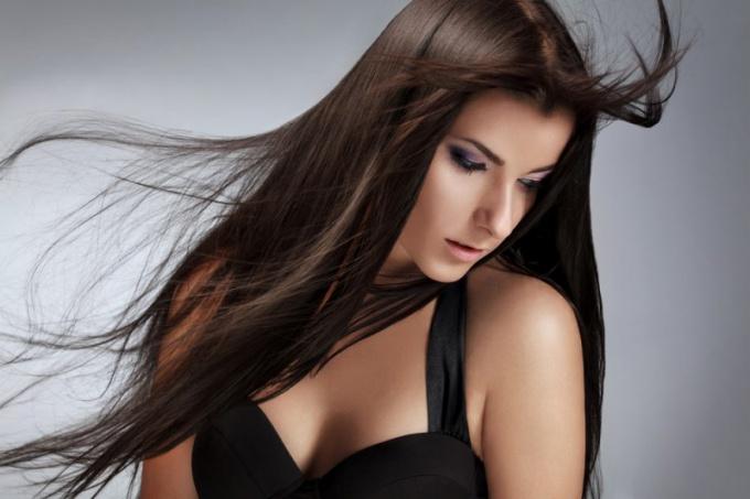Как выпрямить волосы обычной плойкой