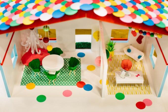 Как сделать домик для куклы Барби своими руками