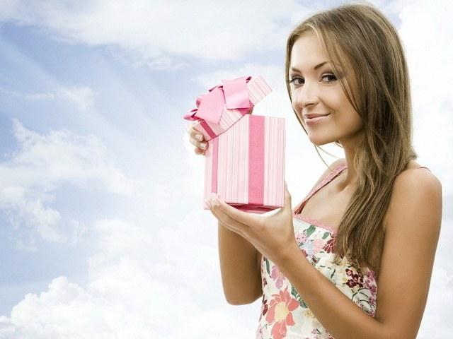 Какие подарки не любят получать женщины