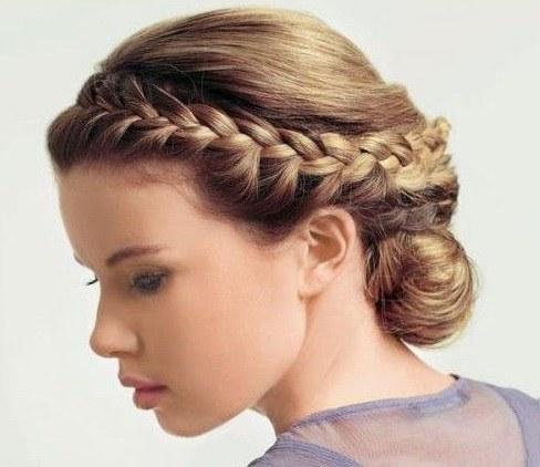 Коса для волос средней длины