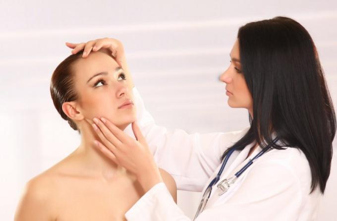 Атерома на лице – это не только косметический дефект