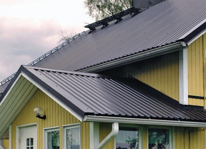 Крыша из профнастила красива и долговечна