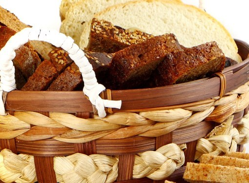 Which bread is healthier - white or black