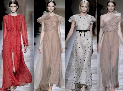 Платья с шифоновыми рукавами в коллекции Valentino.