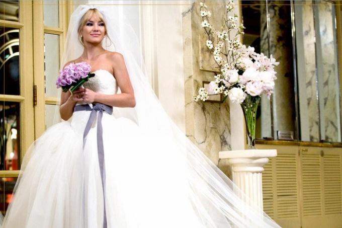 Свадебные платья для невысоких девушек: на что обратить внимание