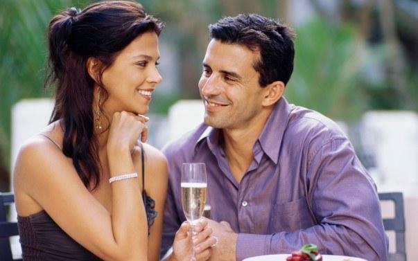 О чем разговаривать с девушками во время знакомства