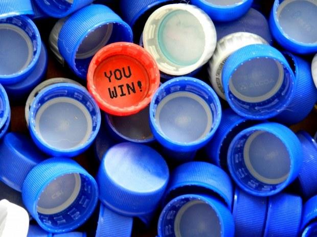 Что сделать из из пластиковых крышек