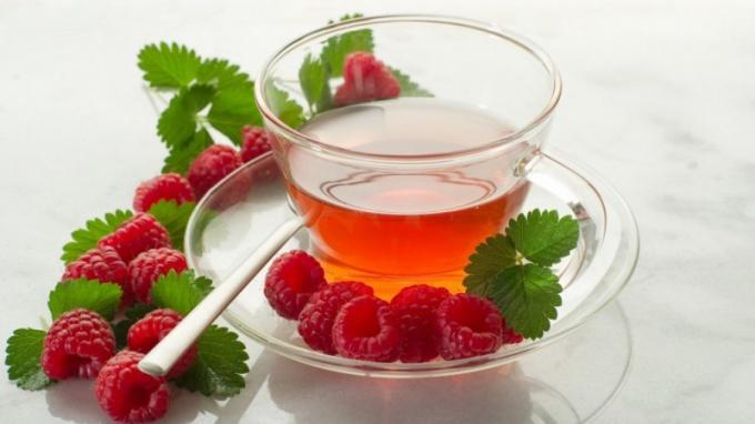 Как принимать малину при простуде