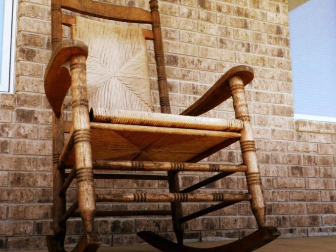 Как быстро избавиться от старой мебели?