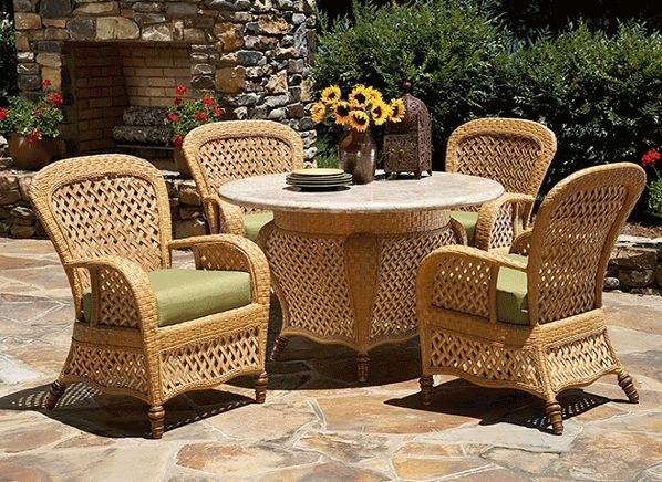 Плетеная мебель эффектна и удобна