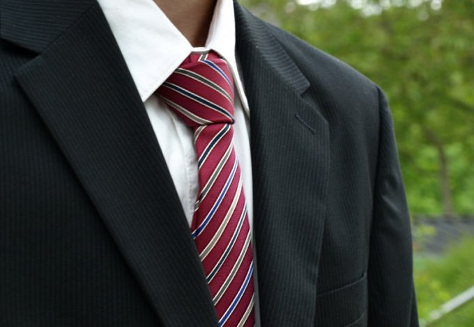 Правильно завязанный галстук дополнит ваш образ