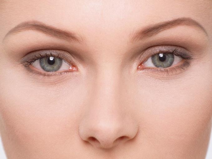 Роговица  - одна из главнейших частей человеческого глаза