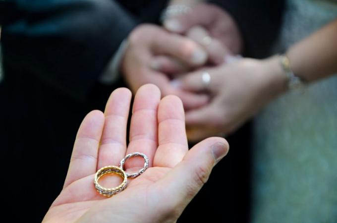 Свадебные традиции: что на свадьбе должна делать теща