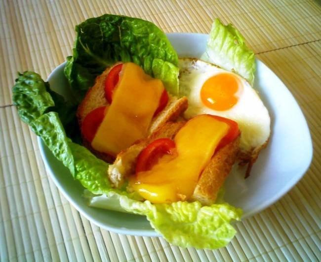 Приготовленные в мультиварке горячие бутрброды - отличная идея для быстрого завтрака