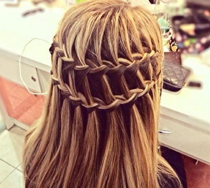 Двойная коса «Водопад»