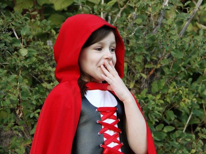 Как сделать костюм Красной Шапочки своими руками