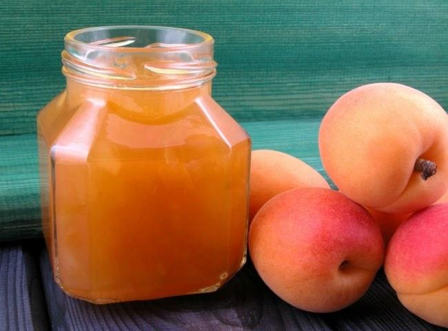 абрикосовое варенье с ядрышками