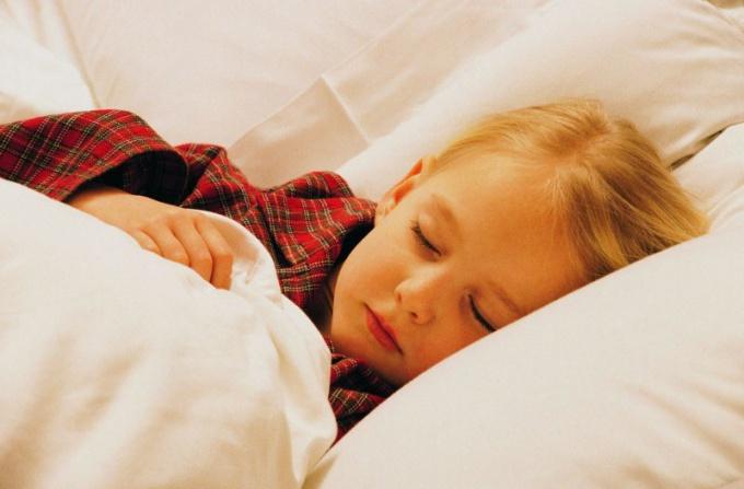 Как ребенку уснуть при кашле
