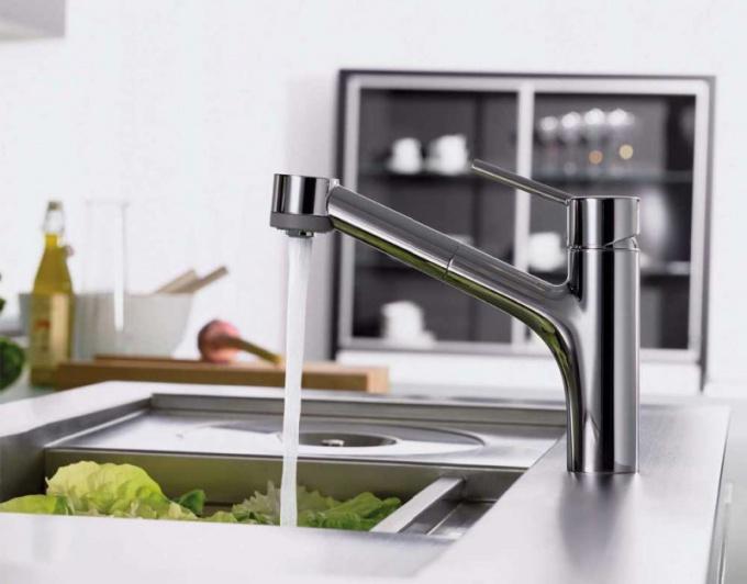 Как правильно установить смеситель на кухне