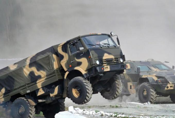 Российская армия славится своими военными КамАЗами