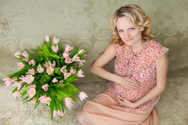 Цветы - прекрасный подарок беременной женщине