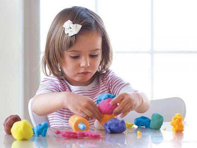 Как лепка из пластилина влияет на развитие ребенка