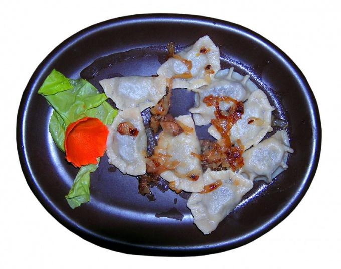 Dumplings stuffed with chicken mince