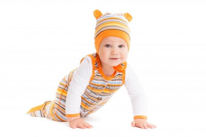 Ползунки - главный элемент гардероба малыша.