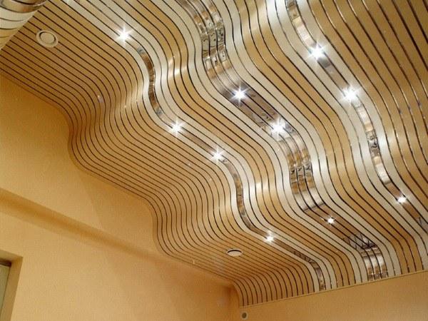 Красивый и современный ремонт потолков в квартире