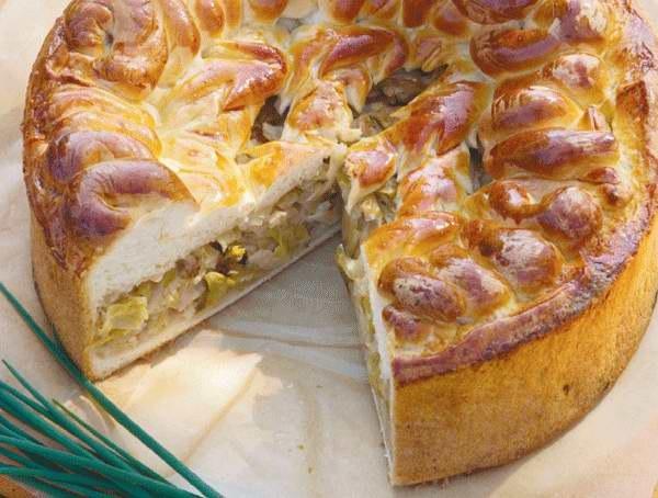 Пироги из на теста на кефире получаются очень нежными и мягкими