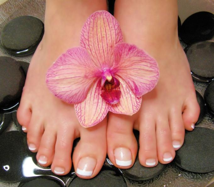 Как выбрать крем от усталости ног