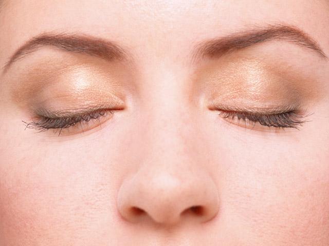 Как красиво накрасить глаза тенями