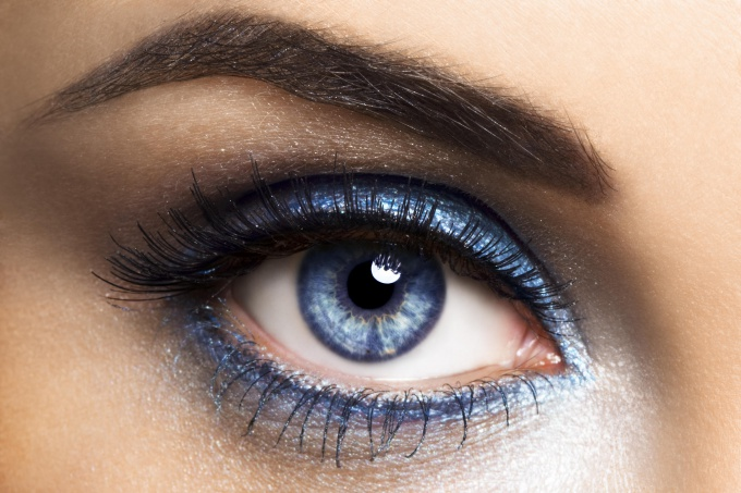 Makeup for blue eyes - simple tips