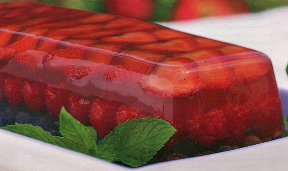 Ягоды в виноградном желе