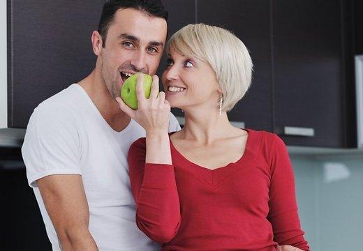 Плюсы и минусы отношений, в которых мужчина младше