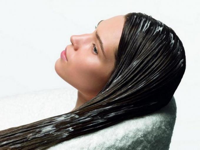 Как делать маски для волос из глины