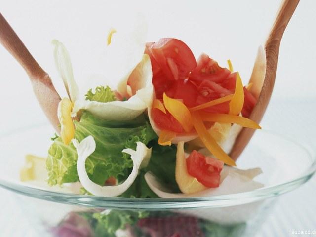 Как приготовить быстрый и вкусный салат