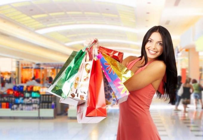 Как выбрать одежду в секонд-хэнде