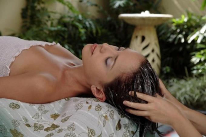 способы восстановления волос после бассейна