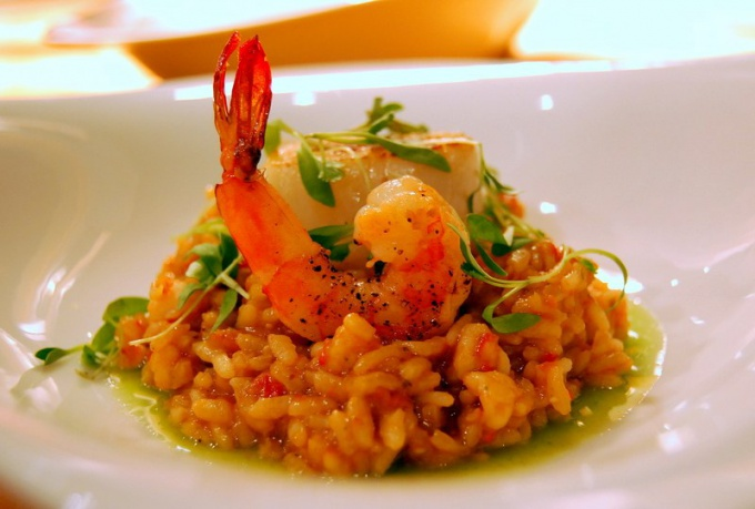 http://madelinescatering.com/blog/wp-content/uploads/2010/06/risotto_seafood1.jpg