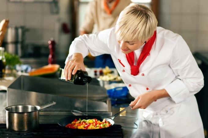 Как жарить на антипригарной сковороде
