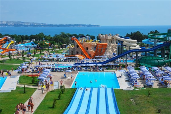 "Water Park ""Golden Bay"""