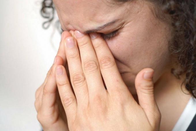 Как бороться с зудом в глазах