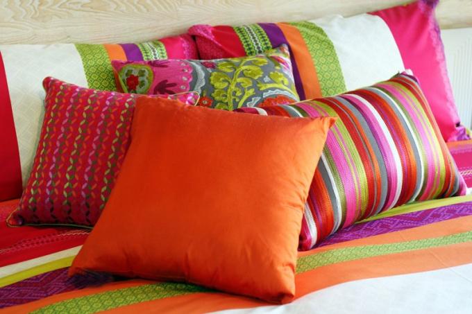 Когда появилась подушка