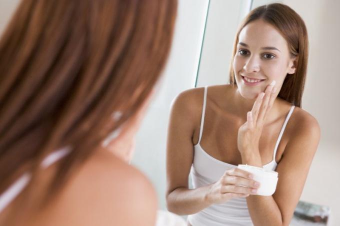 Как выбрать крем для сужения пор на лице