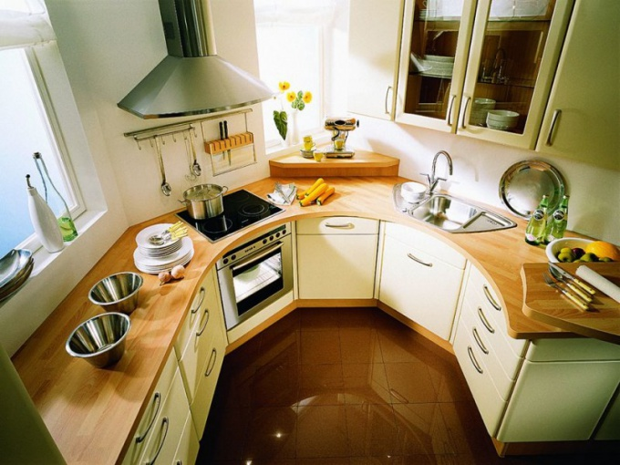 Как разместить мебель на маленькой кухне