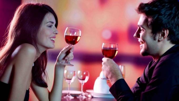 Провести романтический вечер можно в ресторане